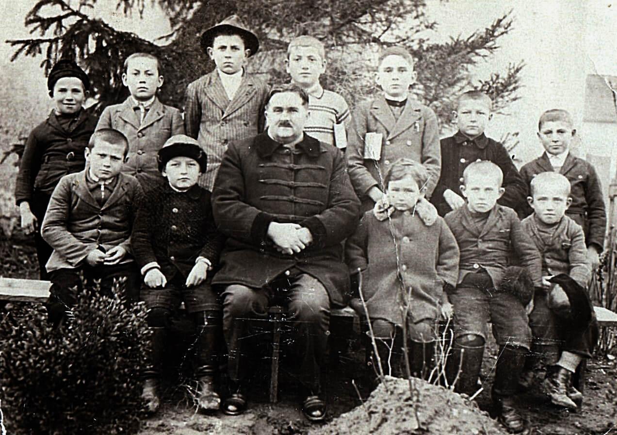 Édesapám a dunaradványi gyerekekkel