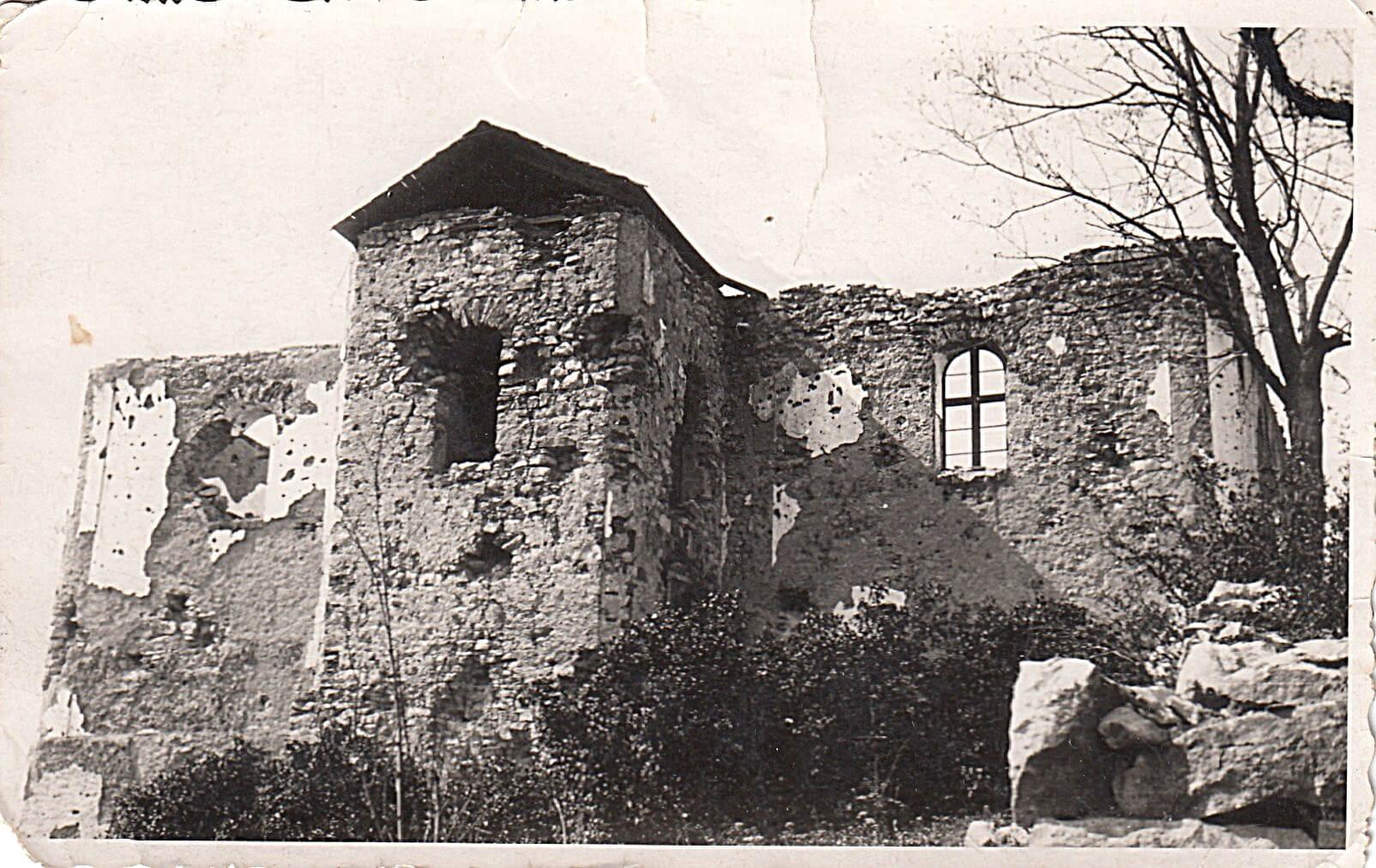 A szétlőtt beretkei református templom